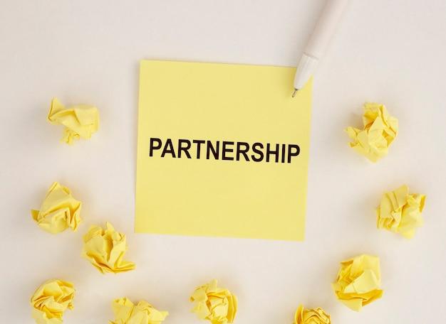 Parola di partenariato, iscrizione collaborazione e concetto di lavoro di squadra