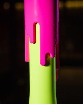 Parte del design moderno del narghilè su uno sfondo