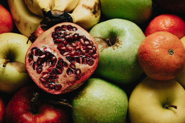 Un frutto della passione su altri frutti