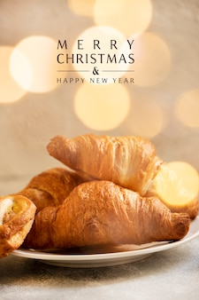 Pasticcini sul tavolo per il periodo natalizio
