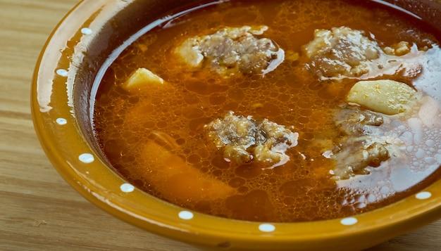 Patatesli sulu kofte - zuppa turca con polpette