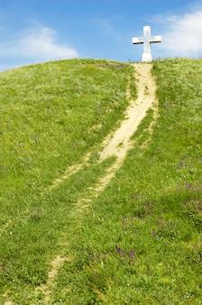 Sentiero verso la croce