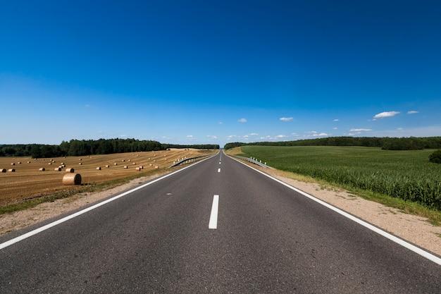 Buona strada asfaltata