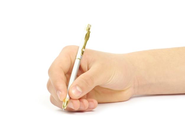 Penna in mano di donna isolata su sfondo bianco