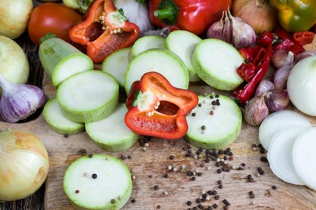 Pepe cipolla zucchine aglio