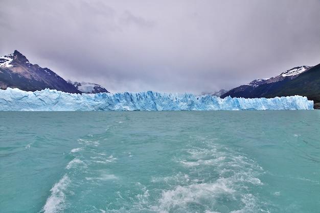 Il ghiacciaio perito moreno vicino a el calafate nella patagonia dell'argentina
