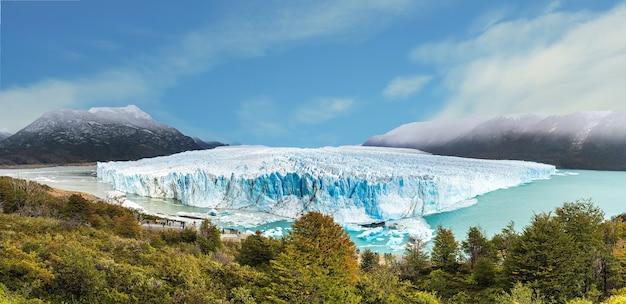 Parco nazionale del ghiacciaio perito moreno vicino a el calafate, patagonia, argentina. è uno dei posti più sorprendenti del nostro pianeta.