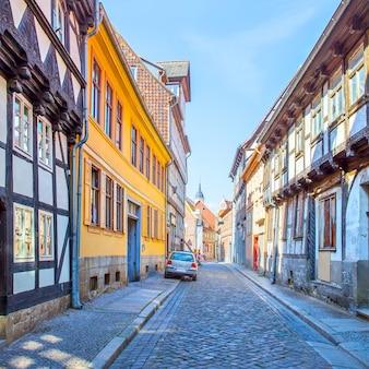 Prospettiva della vecchia strada a quedlinburg, germany