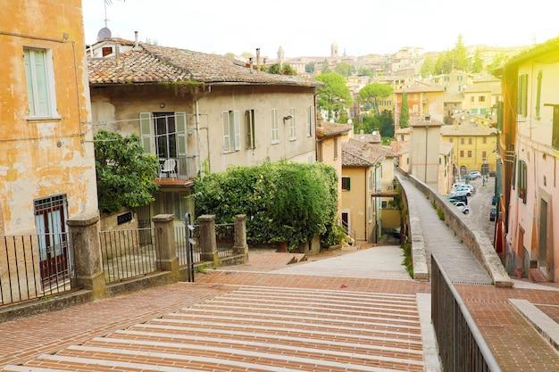Perugia belle strade antiche, umbria, italia