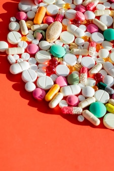 Pillole, compresse e capsule di medicina farmaceutica