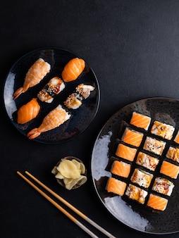 Involtini di philadelphia con salmone involtini canada con anguilla e sushi con gamberi salmone e anguilla su dar