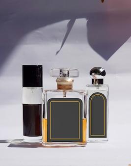 Foto della bottiglia di profumo di vetro