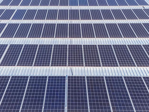 Impianto fotovoltaico realizzato su struttura metallica in residence,