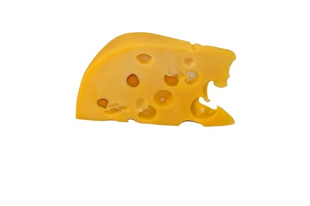 Pezzo di formaggio isolato su sfondo bianco