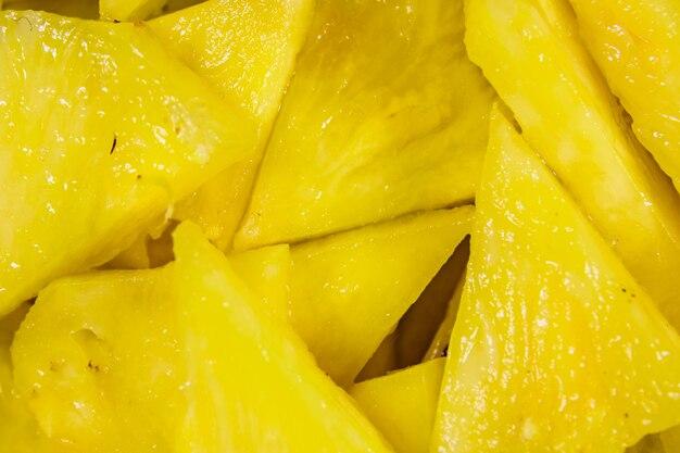 Pezzi di ananas tritato per il sottofondo