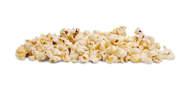 Pila di deliziosi popcorn isolati su sfondo bianco.