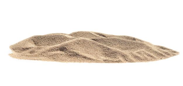 Sabbia del mucchio isolata su priorità bassa bianca