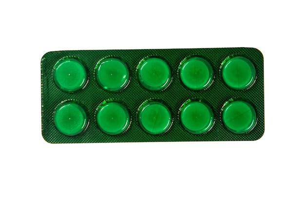 Pillole in blister isolati su sfondo bianco