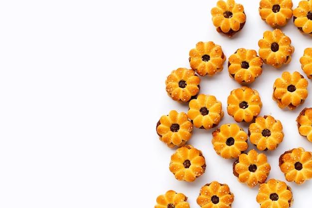 Biscotti all'ananas isolati.