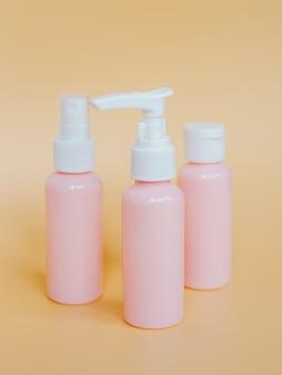 Contenitori per bottiglie di plastica rosa per cosmetici, sapone, gel doccia, crema