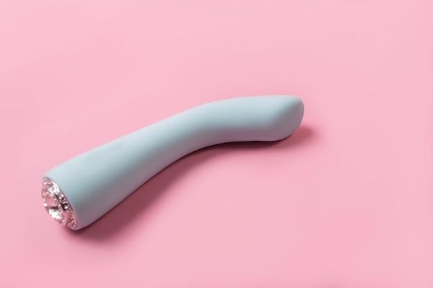 Su un prodotto sessuale da parete rosa, un giocattolo per adulti