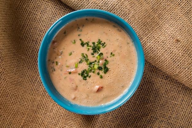 Zuppa di pesce piranha