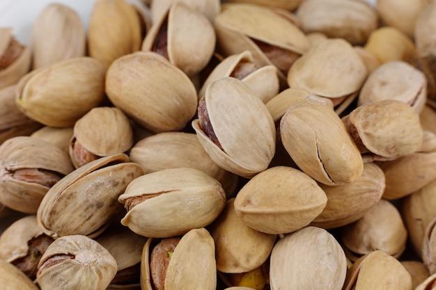 I pistacchi sono noci deliziose. un sacco di noci da mangiare sano