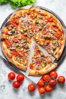 Pizza verdura fast food no carne no formaggio spuntino torta salata cibo vegano o vegetariano