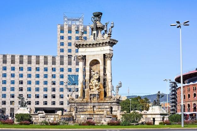 Vista del centro urbano di placa d'espanya, barcellona, spagna