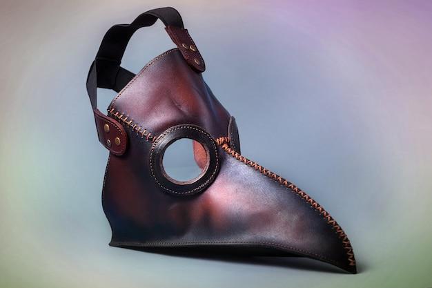 Maschera del medico della peste isolata. visiera medica. concetto di pandemia