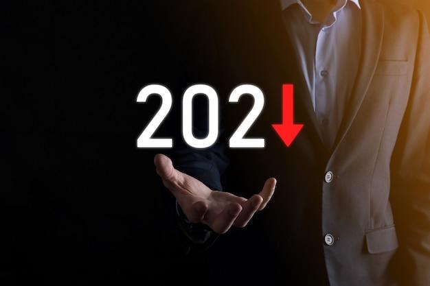 Pianificare la crescita negativa del business nell'anno 2021 concetto.