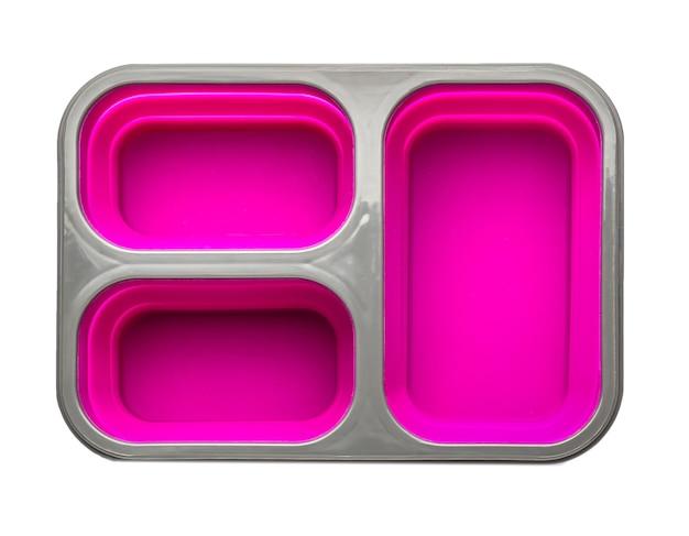 Lunch box in plastica su bianco