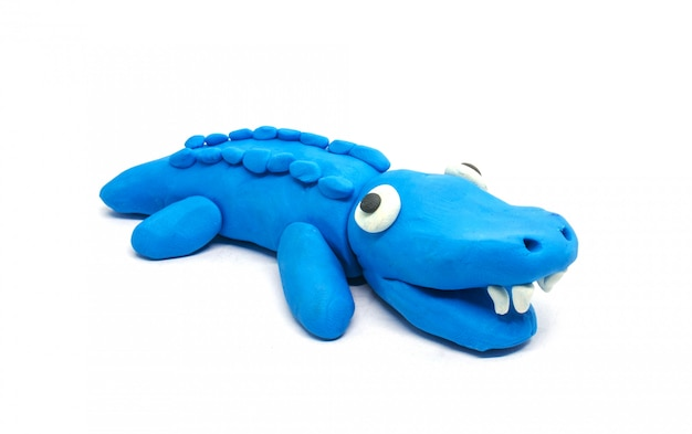 Gioca a doh crocodile su sfondo bianco
