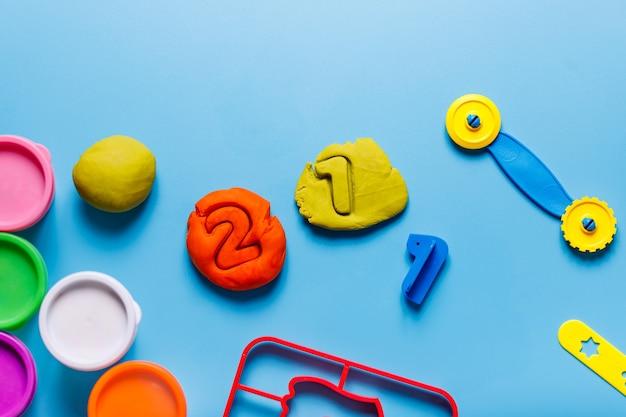 Articoli di plastilina gioco montessory i bambini giocano