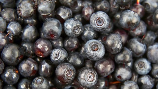 Abbondanza di primo piano fresco dei mirtilli. cibo sano vitaminico