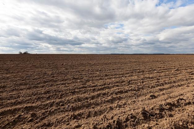 Campo agricolo arato