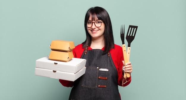 Plus size bella donna consegna cucinare, portare via il concetto di fast food