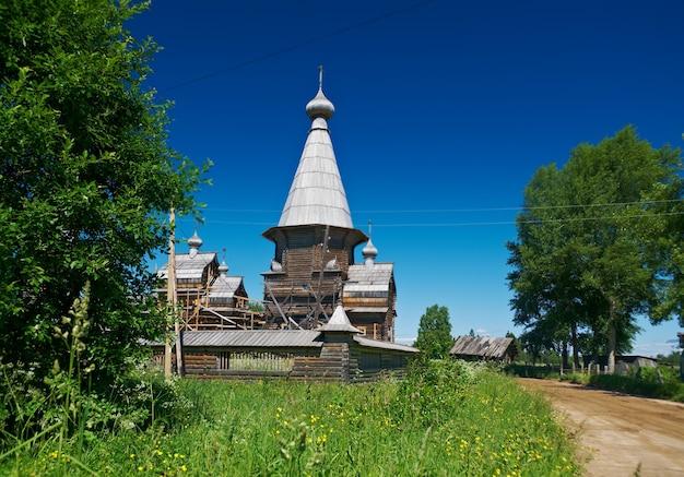 Complesso del tempio pochozersky xviii - xix secolo. . . regione di arkhangelsk, russia