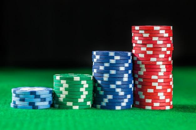 Pila di fiches da poker