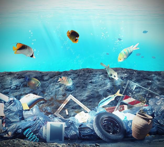 Inquinamento dei fondali marini a causa degli esseri umani Foto Premium