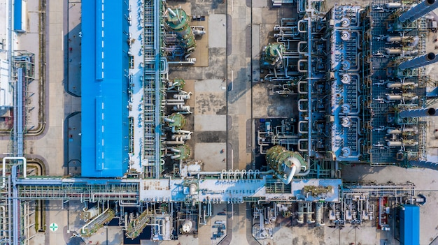 Impianto di polietilene nel parco industriale, industria del polietilene vista aerea.