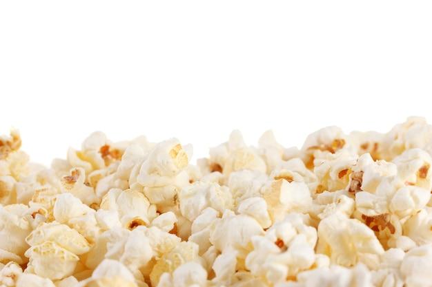 Popcorn isolato su bianco