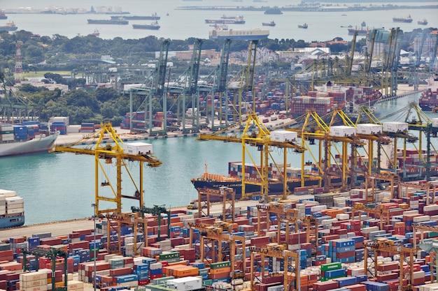 Il porto di singapore