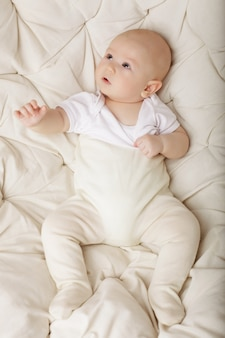 Ritratto di adorabile bambino felice