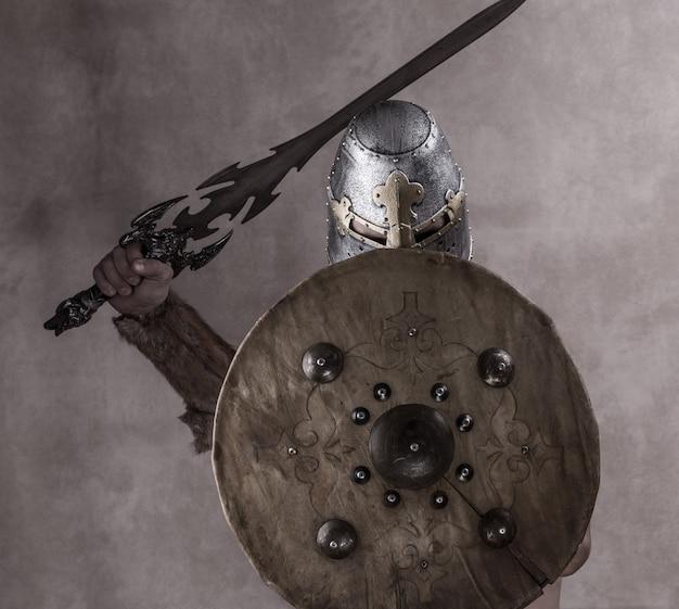 Ritratto di antico guerriero gladiatore vichingo