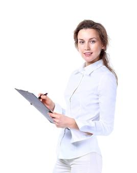 Ritratto di giovane donna di affari felice isolata su fondo bianco