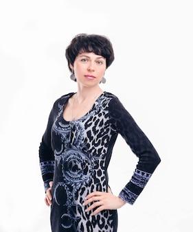 Ritratto di donna d'affari moderna isolata su sfondo bianco