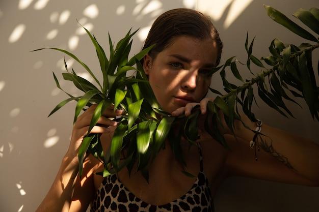 Ritratto di una donna ai tropici