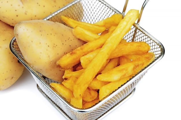 Patata fritta o patatine fritte isolate