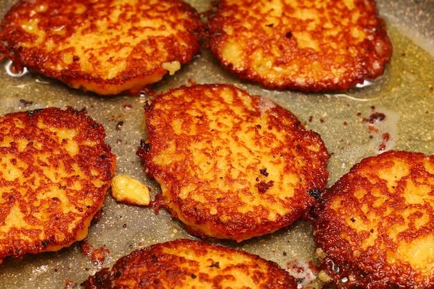Frittelle di patate in padella